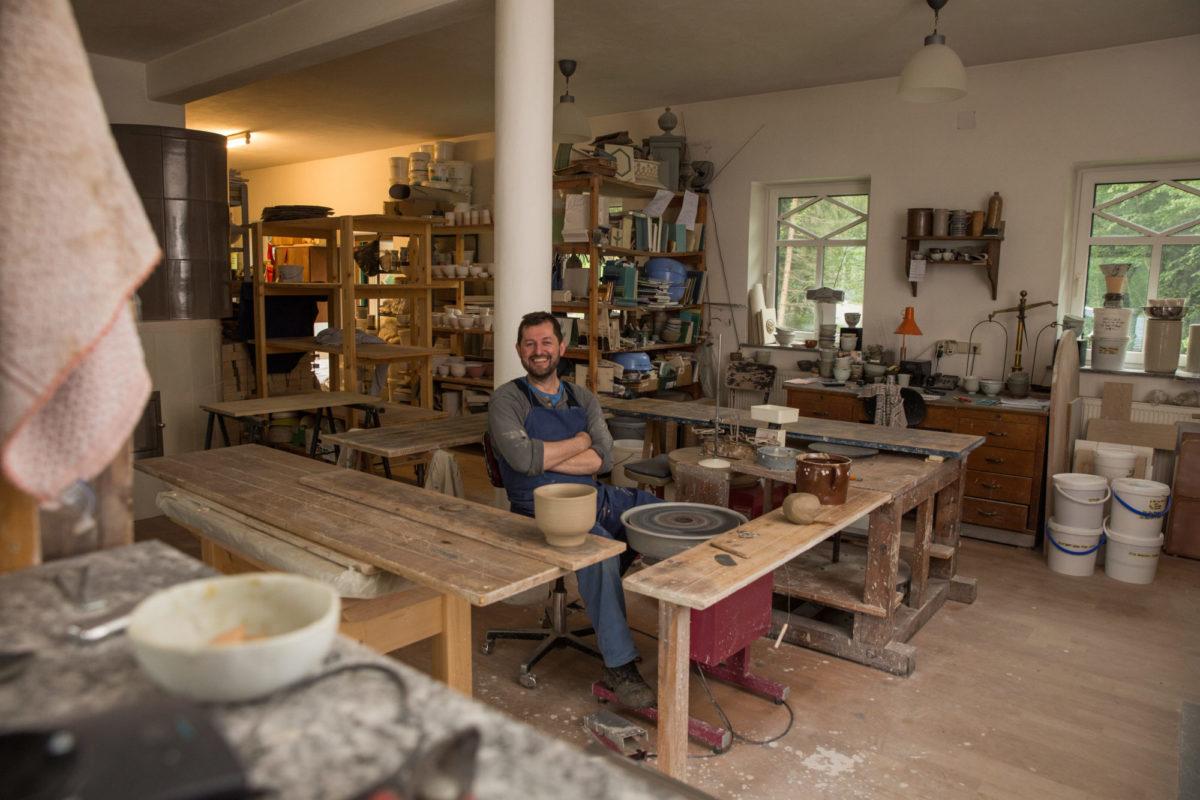 Josef Wieser in seiner Werkstatt in Waidhofen/Ybbs