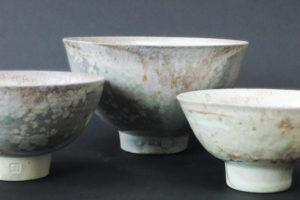 Porzellan-Teeschälchen mit Kristallbildung im Ascheanflug