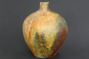 Globe vase (tsubo)